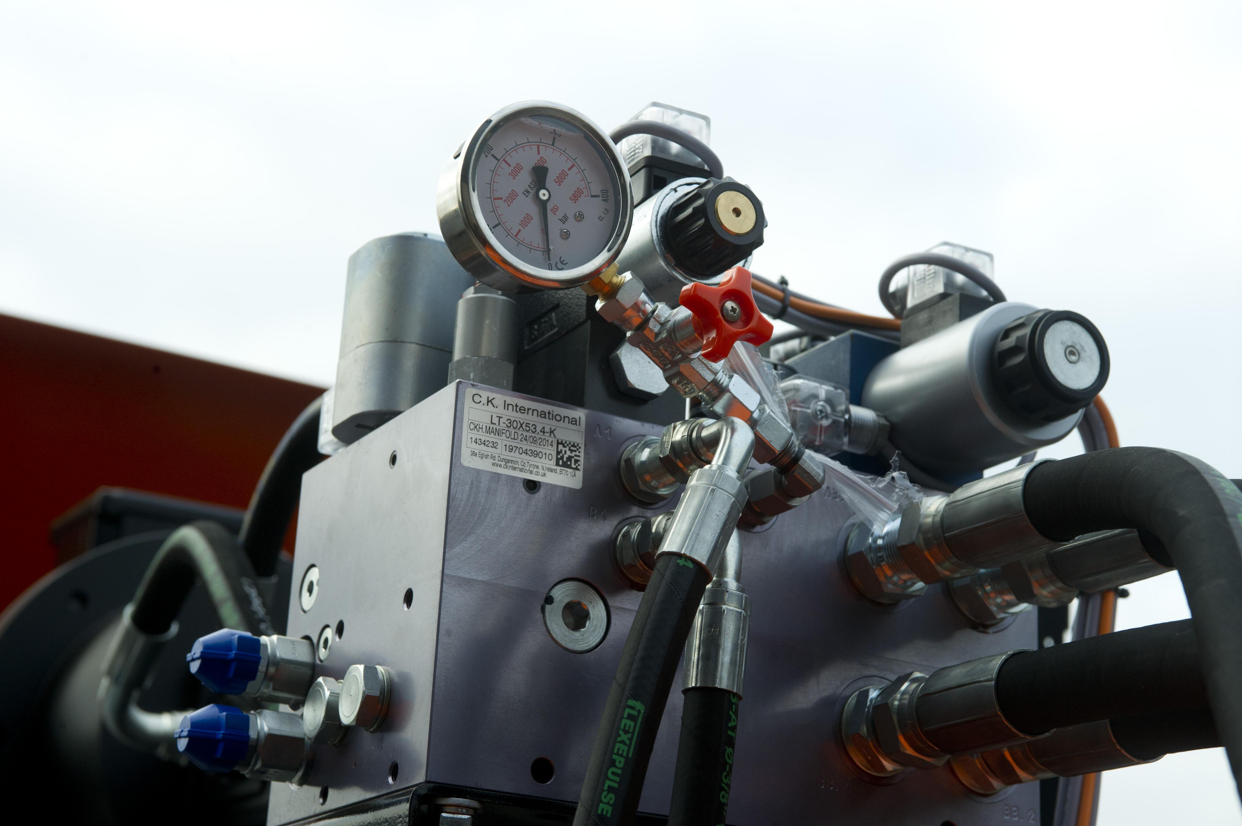CK600HFE bálázógép